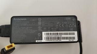 cargador portatil LENOVO 20v-3,25A