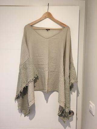 Camisa-poncho talla única manga troquelada