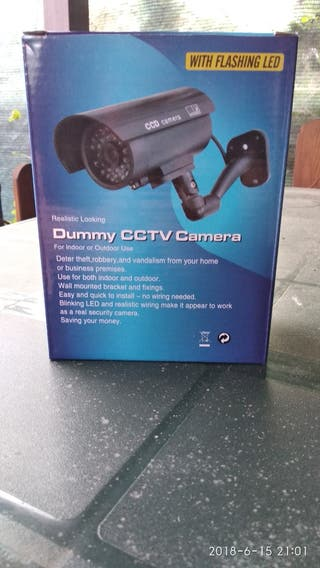 2 cámaras ficticias
