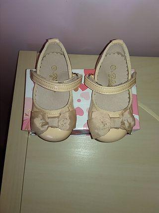 zapatos niña arena. N 20