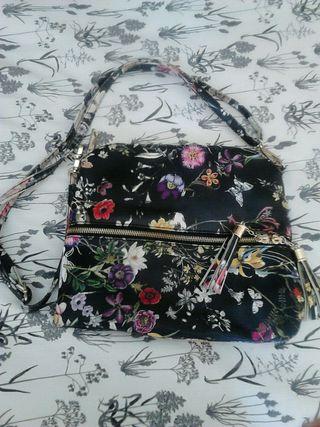Bolso con flores de colores