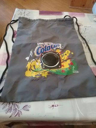 bolsa cola cao con altavoz incluido