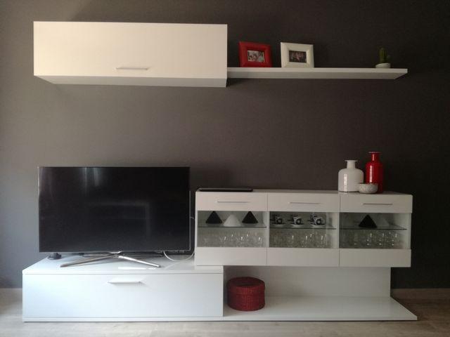 Mueble comedor blanco con LED de segunda mano por 120 € en Terrassa ...