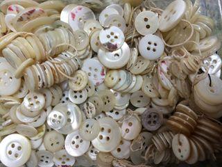 Lote botones antiguos de nacar