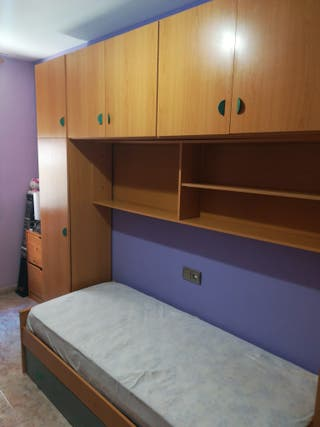 Conjunto cama con armarios y colchón