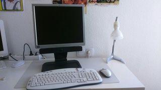 conjunto de ordenador de mesa