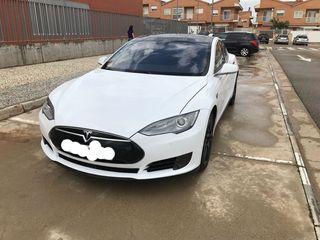 Tesla Model S 85 2016