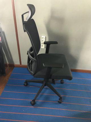 silla oficina prácticamente nueva