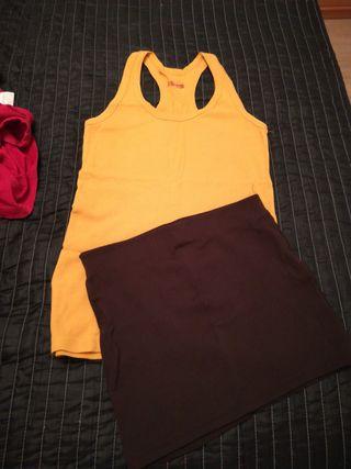 conjunto de camiseta y falda