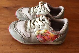 Zapatillas deportivas flores niña T24