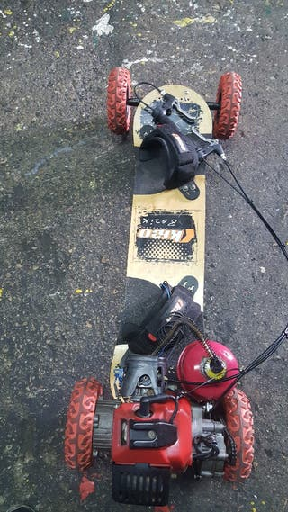 patinete con motor a gasolina