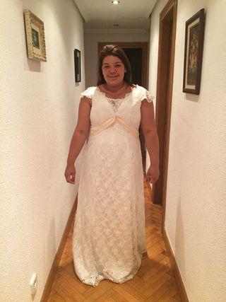 Vestido de novia 44 -48 entrelazado la espalda