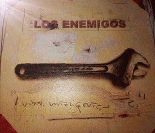 Vida inteligente de Los enemigos. CD.