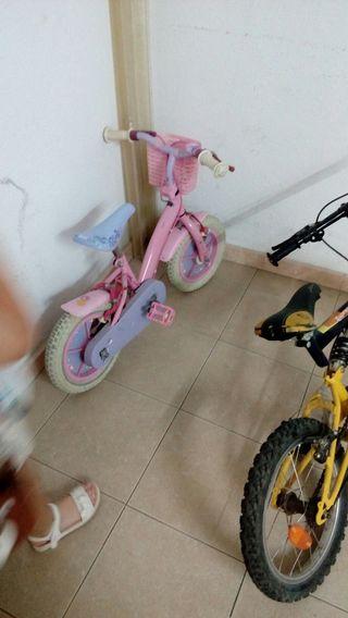 2 bicis de niño y niña