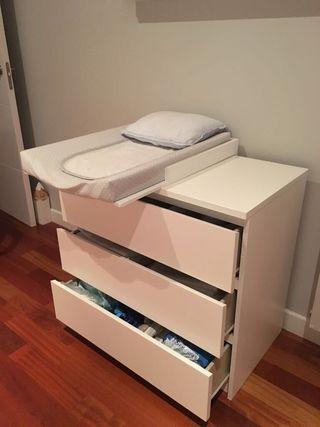 Cambiador + cómoda ikea
