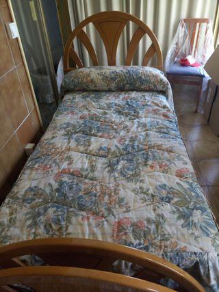 2 camas de 90, bases tapiflex, colchones+ mesilla