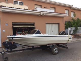 Barca la talla 50 cv 4 metros de largo se usa titu