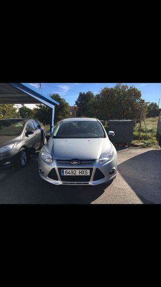 Ford Focus 2014 con garantía OFICIAL