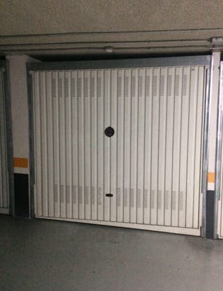 Se alquila garaje cerrado en Gelma