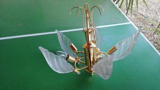 lámpara de techo con hojas de cristal templado