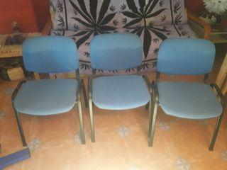 sillas en buen estado y muy robustas.