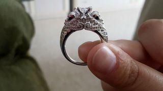 Anillo carabela plata y diamante.