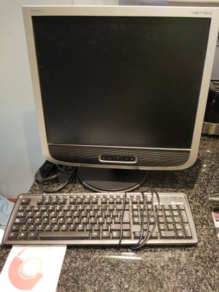 Pantalla + teclado para PC