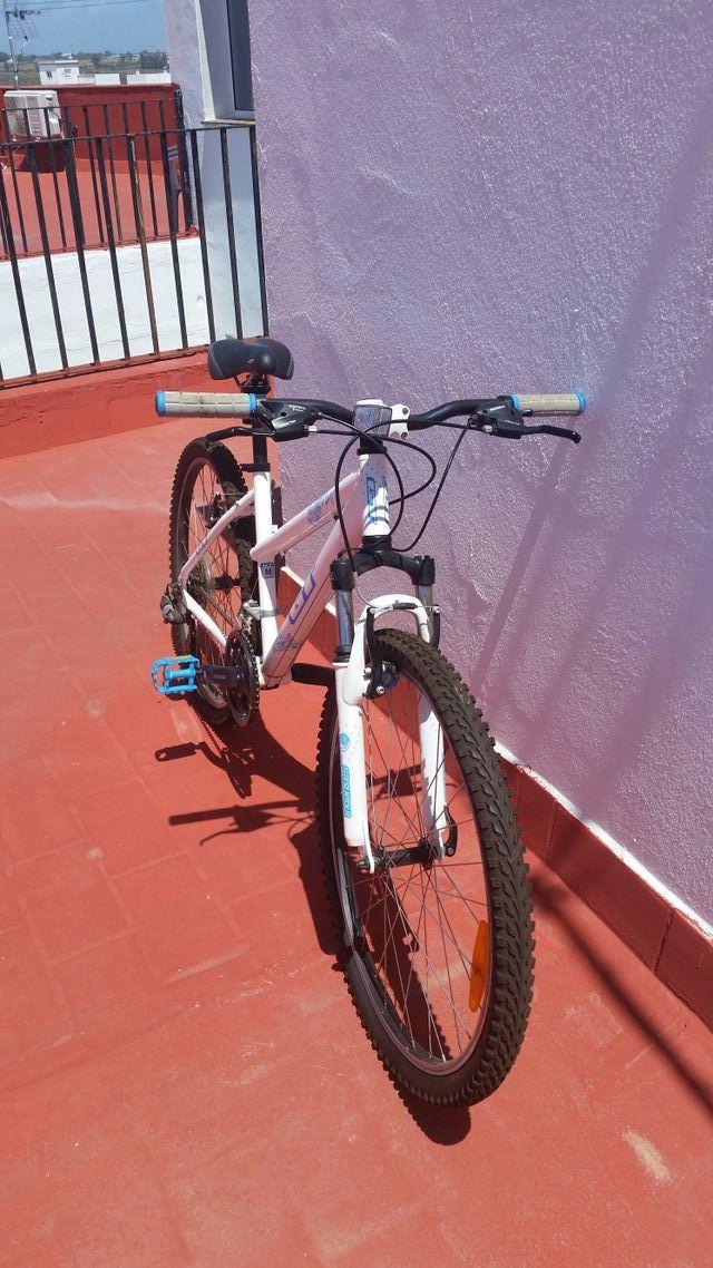 Bicicleta GT mujer