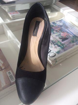 Zapato tacón negro Sfera