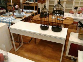 escritorio/ recibidor/ tocador ikea