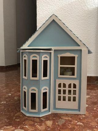 Casa de muñecas estilo colonial