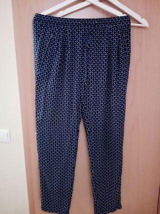 Pantalón calle tipo pijama. Marca Sfera