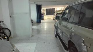 Conjunto de casa + garaje + local