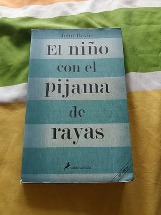 Libro ( El niño con el pijama de rayas )