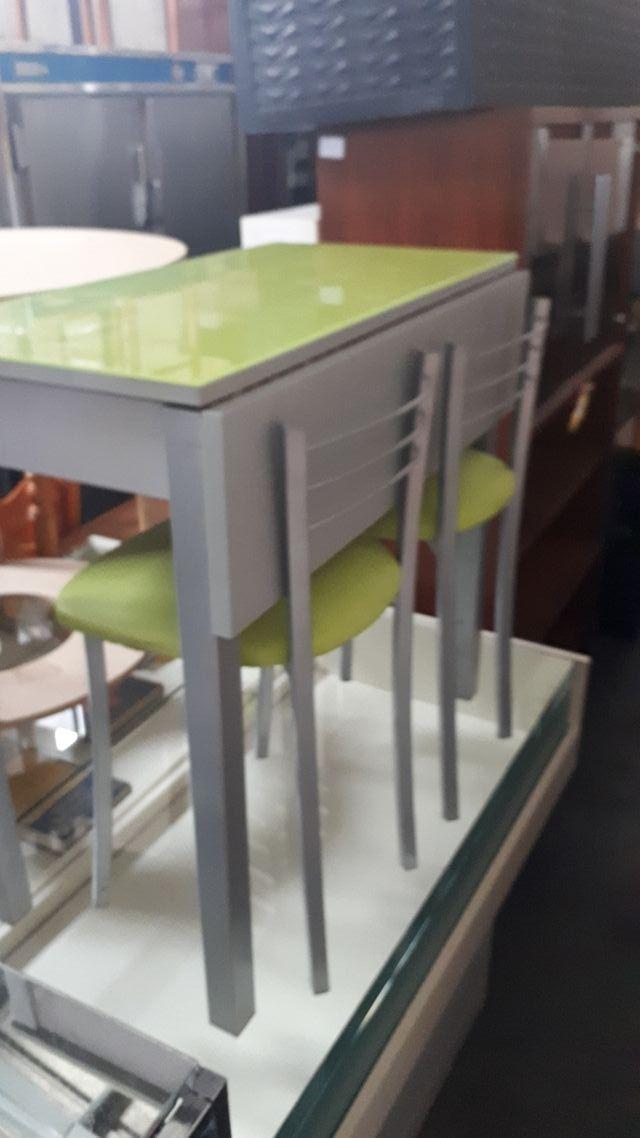 Mesa cocina moderna de segunda mano en Osuna en WALLAPOP