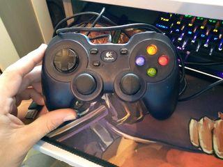 Mando pc/Xbox Logitech