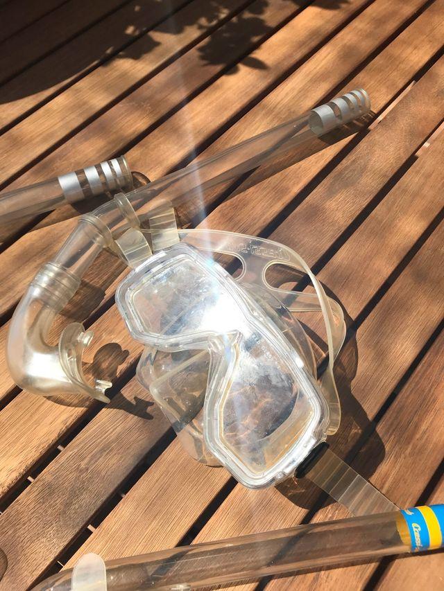 Gafas y tubo para snorkel o buceo