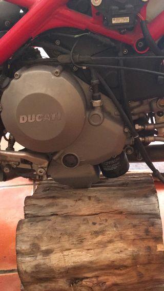 Motor ducati 848