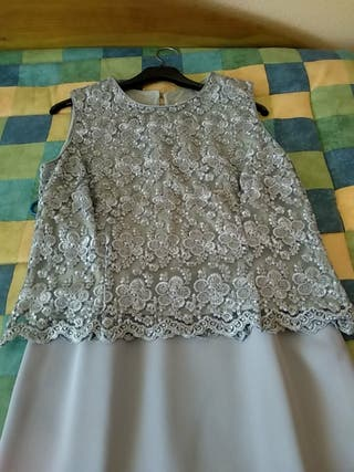 Falda y blusa.