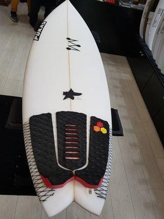 tabla de surf nueva Pukas.