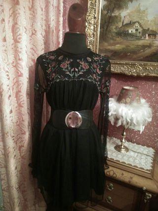 vestido NUEVO semitransparente bordado talla M