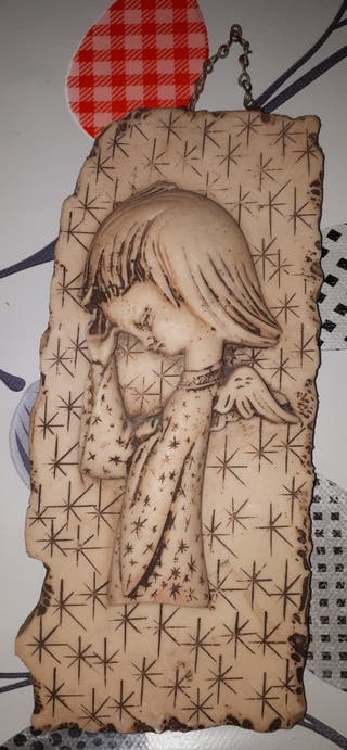 Angel niña de piedra vintage.