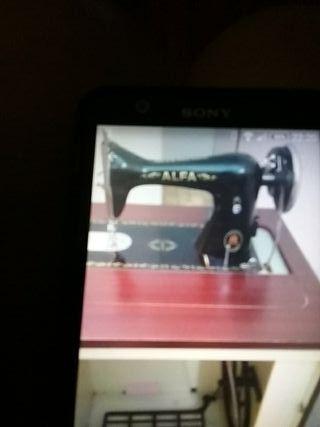 máquina de coser alfa,muy poco usada