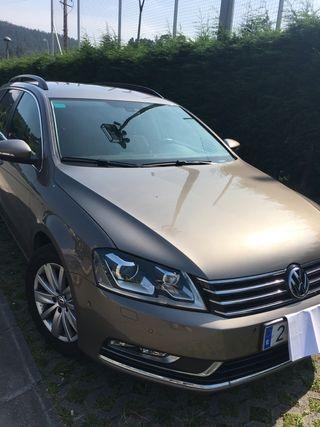 Volkswagen Passat Familiar 2011