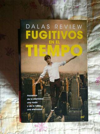 Fugitivos en el tiempo- Dallas review