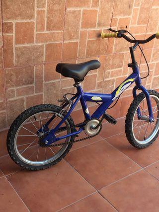 Regaló bicicleta de niño