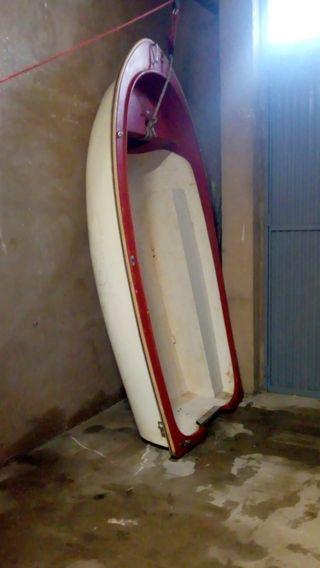 Barca o bote de fibra
