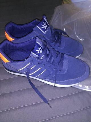 Nouveau Sneakers Très Confortables N 42 Occasion Pour 20