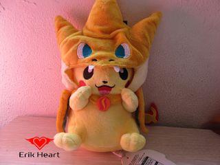 Peluche pikachu disfrazado nuevo