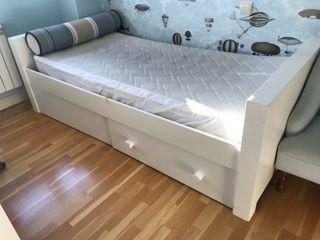 Estructura de cama lacada